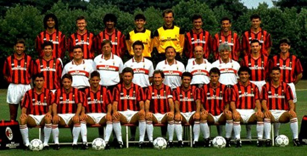 AC Milan squad photo in 199-11992