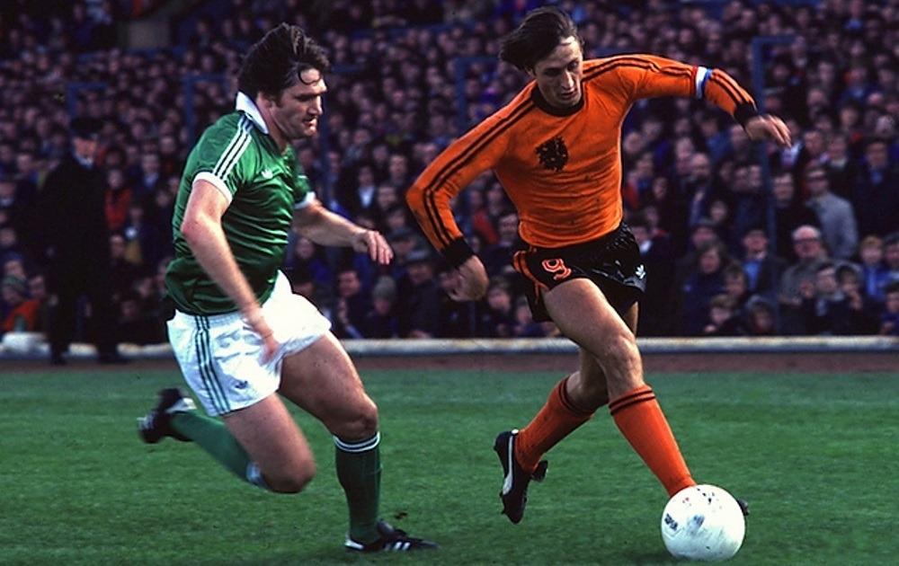 Johan Cruyff dribbling