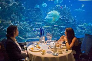 underwater, Al Mahara restaurant