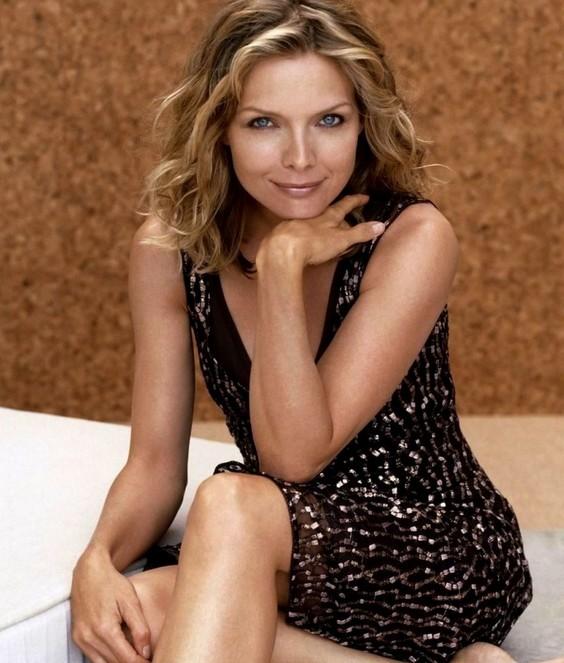 Michelle Pfeiffer gorgeous beauty