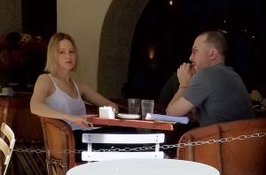 Darren Aronofsky an Jennifer Lawrence together